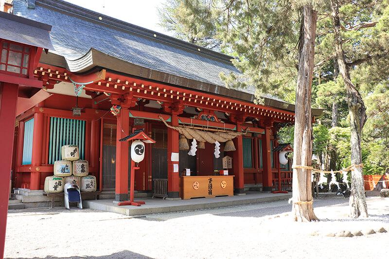 生島足島神社 本宮