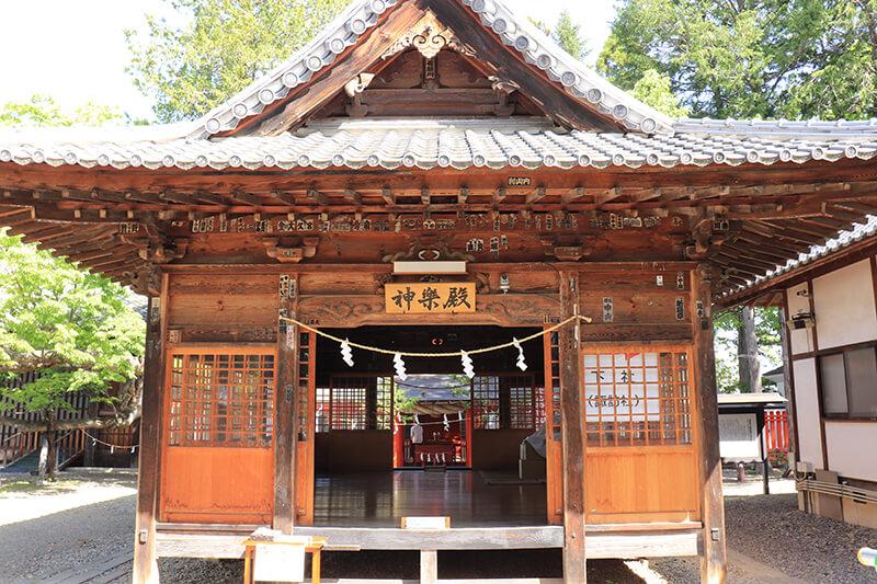 生島足島神社 神楽殿