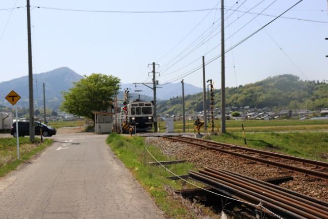 もうすぐ舞田駅