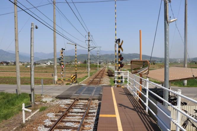 舞田駅上り側